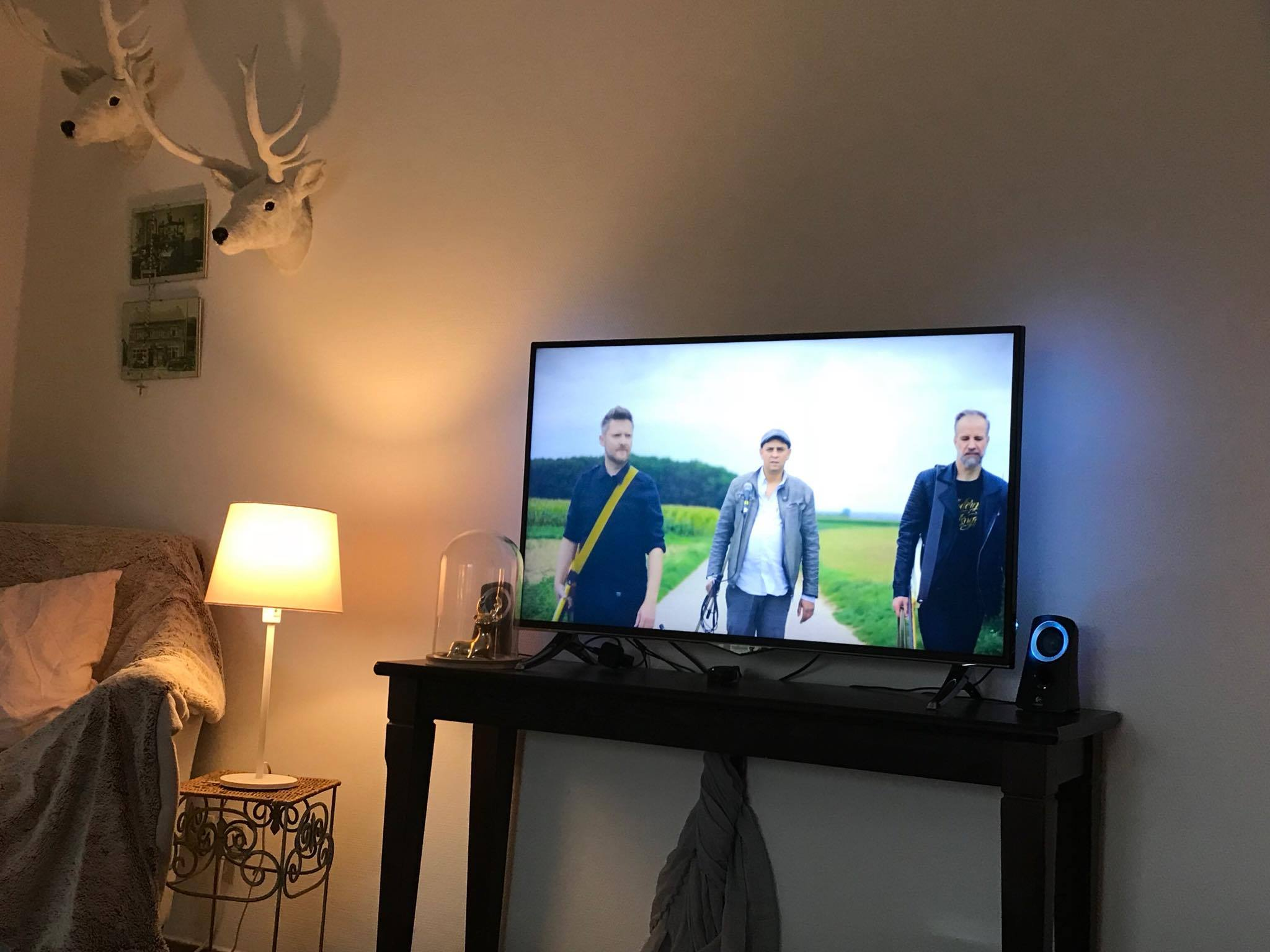 That moment your videoclip is on TV. 🤘 Thank you Sylvie Vanbossele, for sharing your picture with us!
